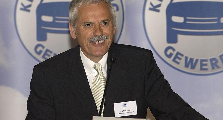 Willi Diez Leiter des Instituts f�r Automobilwirtschaft (IFA)