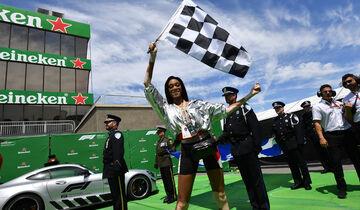 Winnie Harlow - Zielflagge - GP Kanada 2018