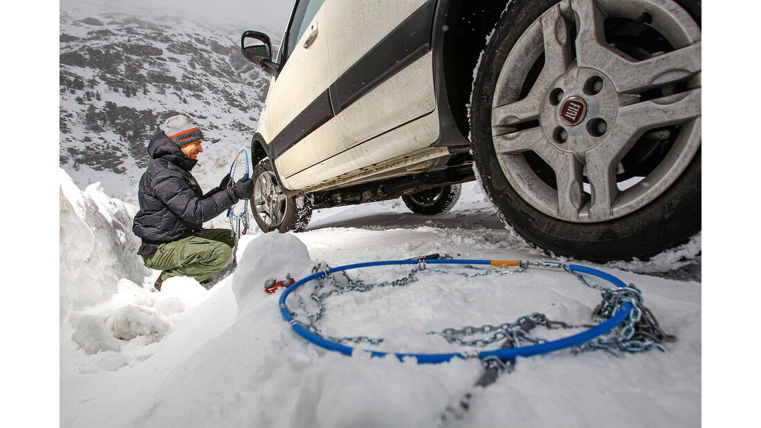 Winter Schneeketten anlegen