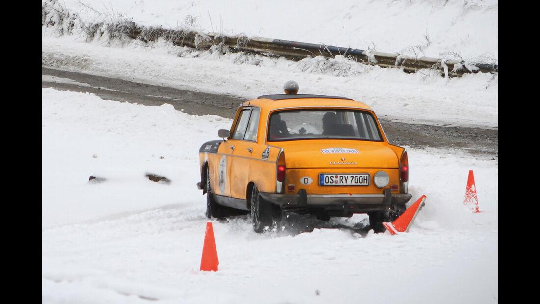 Winter Trail, Peugeot-Taxi, Heckansicht