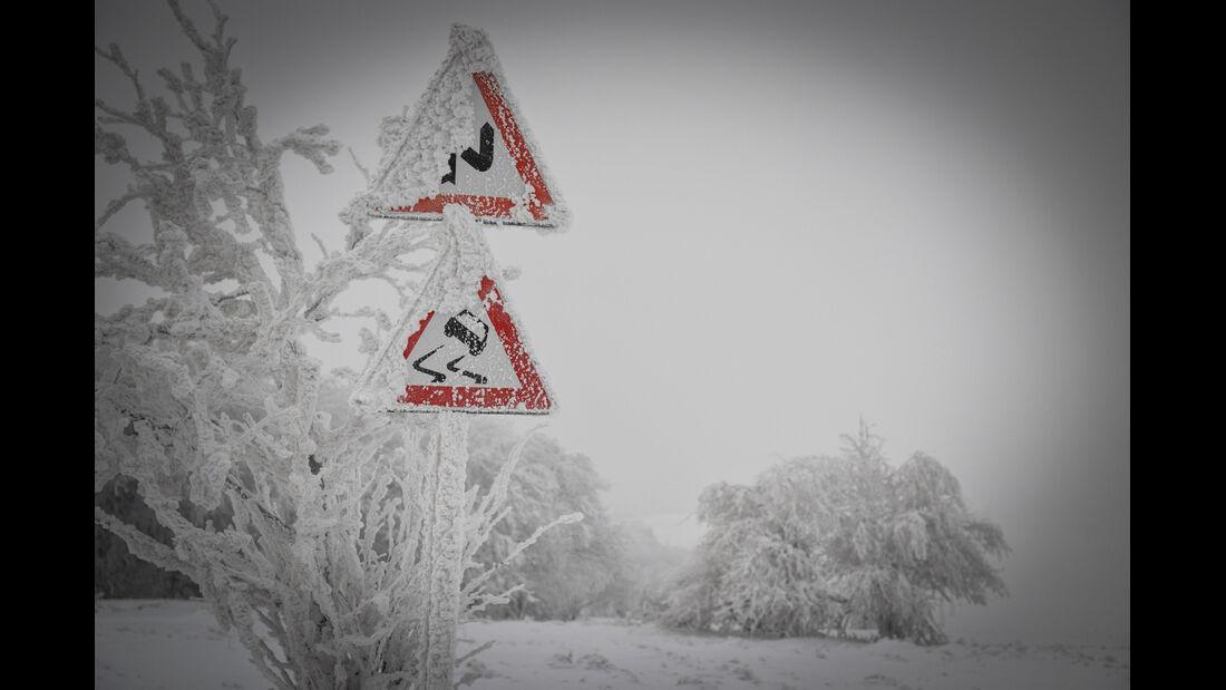 Winter Trail, Schilder, Schneelandschaft