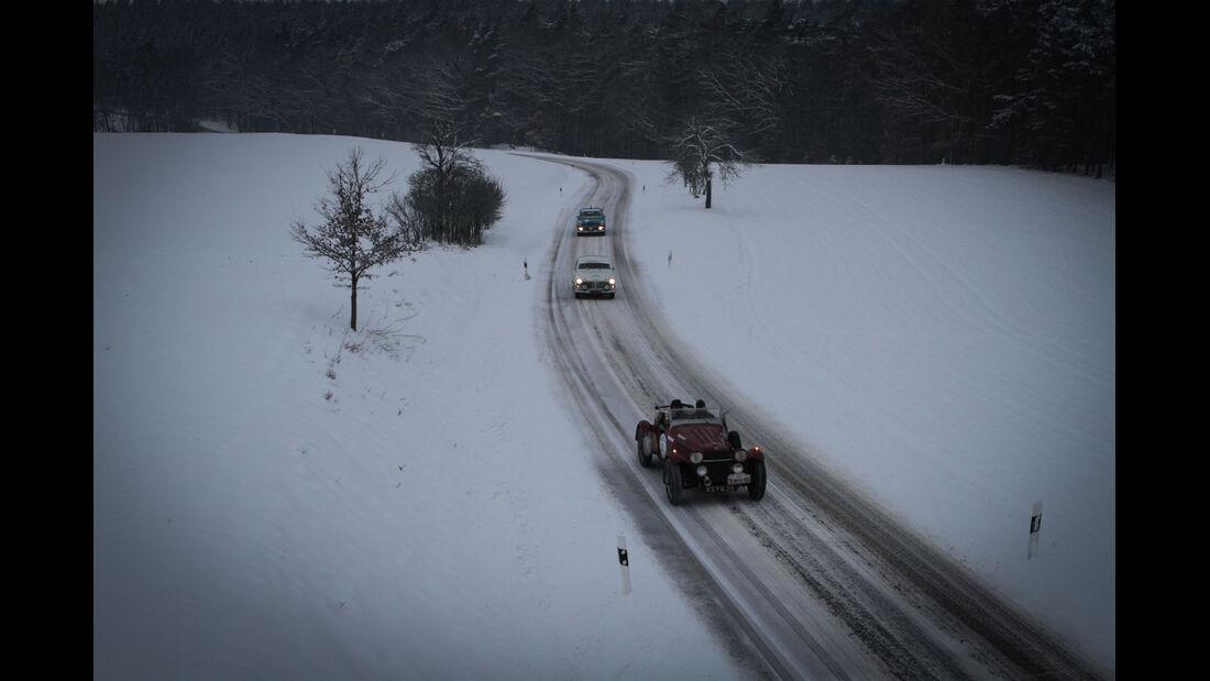 Winter Trail, Verschiedene Fahrzeuge