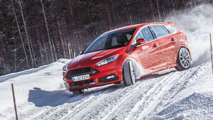 Winterreifen - Test - 235/40 R 18 - Ford Focus ST