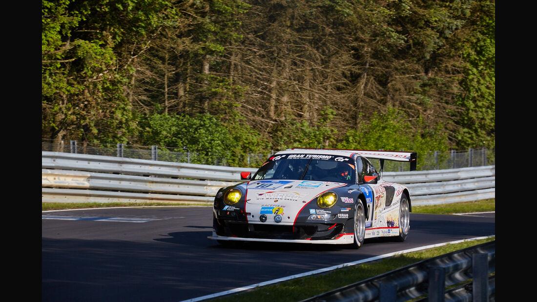 Wochenspiegel Manthey - Porsche 911 GT3 R - #10 - 24h-Rennen Nürburgring 2015 - Top-30-Qualifying