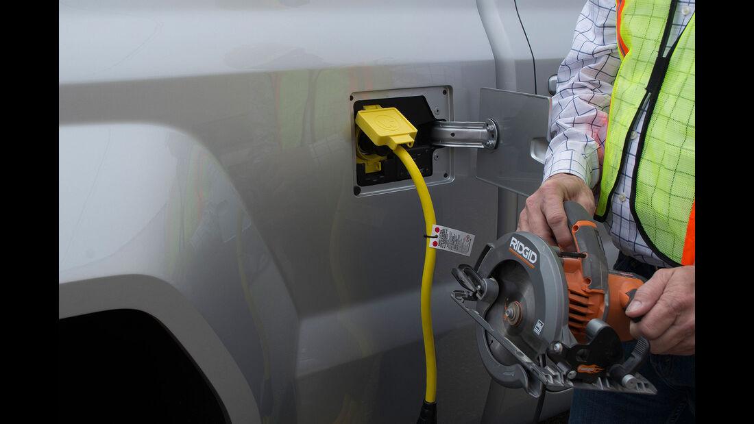 Workhorse W-15 Plug-in Electric Pickup Truck 11/2016