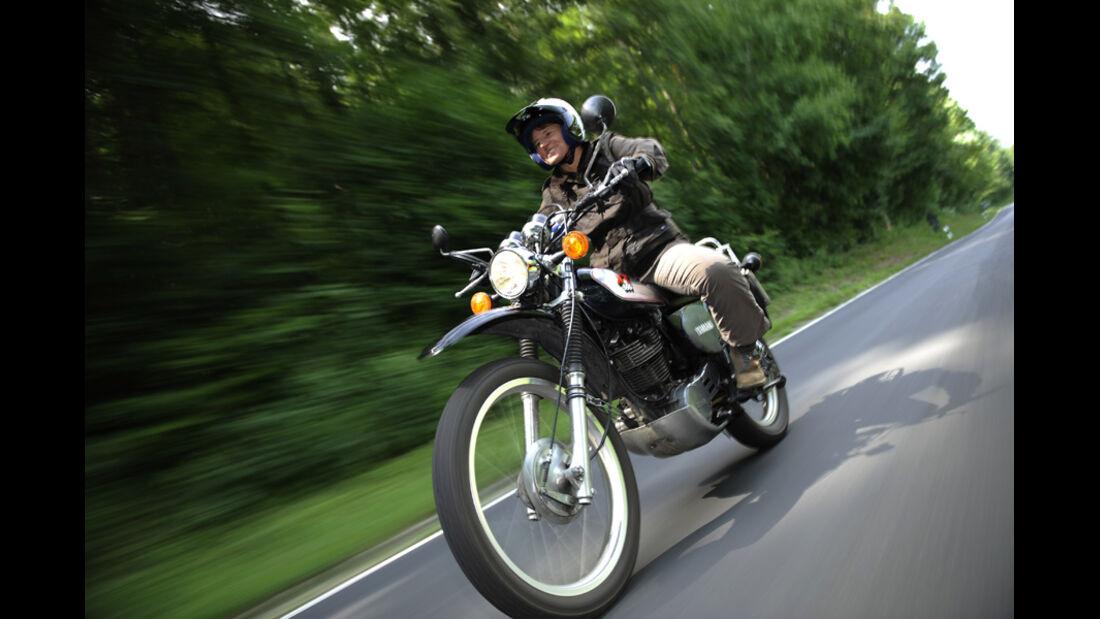 Yamaha XT 500, Scheinwerfer, Fahrt, Front