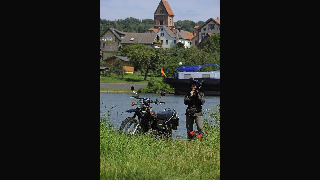 Yamaha XT 500, Seitenansicht, Fluß