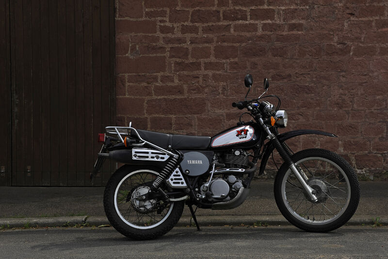 Yamaha XT 500, Stand, Seitenfenster