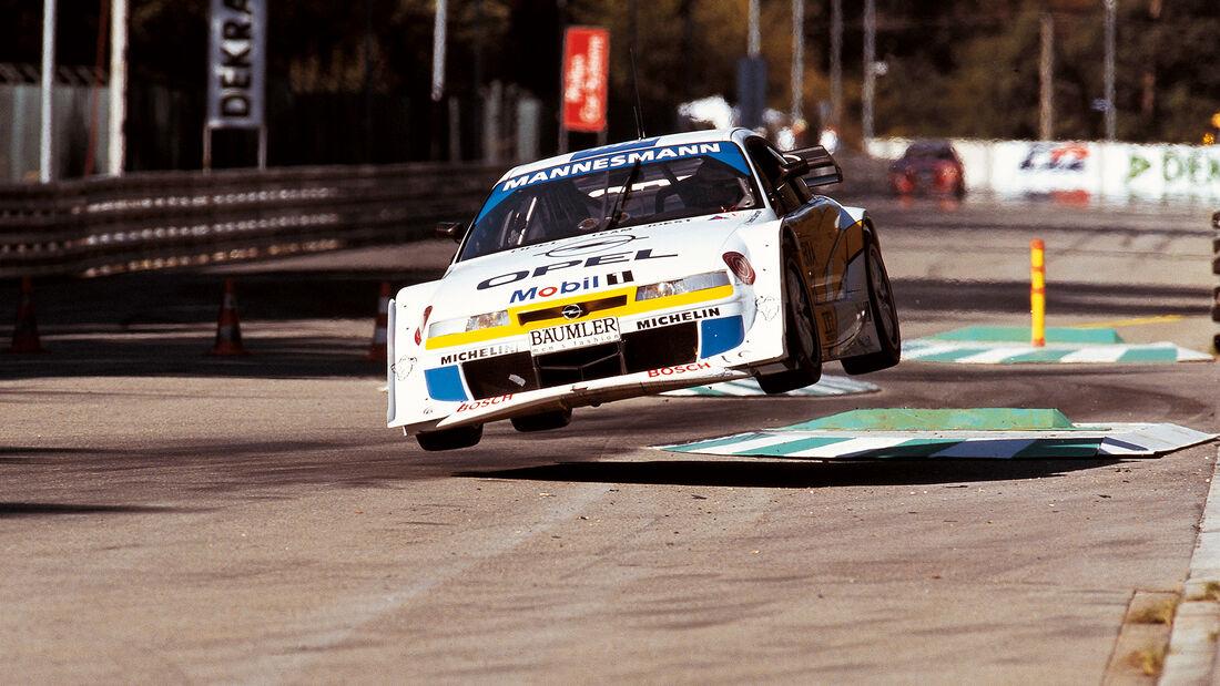 Yannick Dalmas - Opel Calibra V6 - DTM 1995
