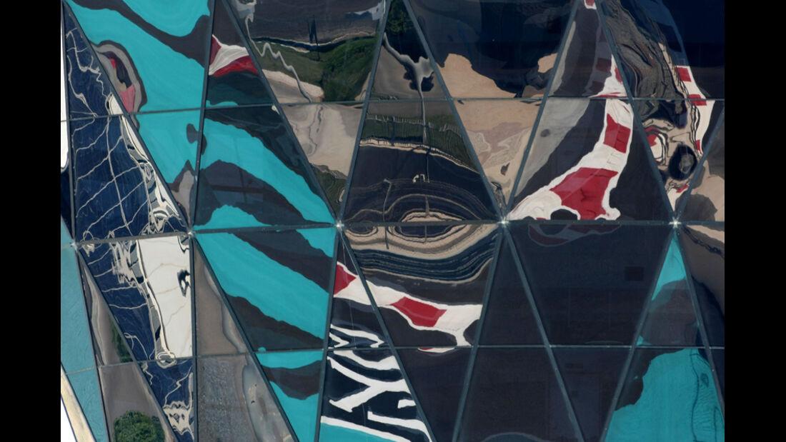 Yas Tower - GP Abu Dhabi - Freies Training - 11. November 2011