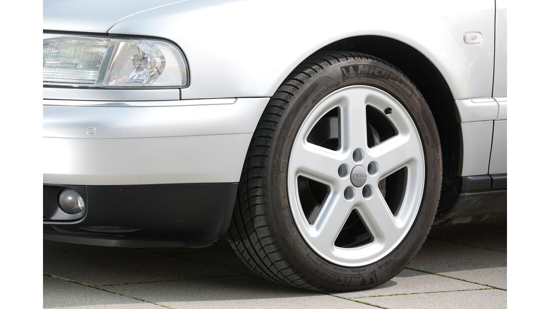 Youngtimer-Fahrbericht-Audi-A8-4.2-Felge
