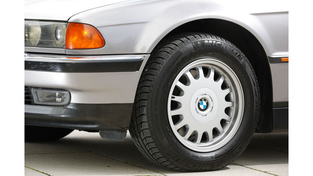 Youngtimer-Fahrbericht-BMW-740i-Felge