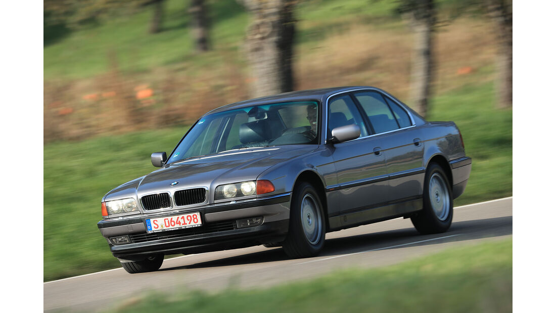 Youngtimer-Fahrbericht-BMW-740i-Front