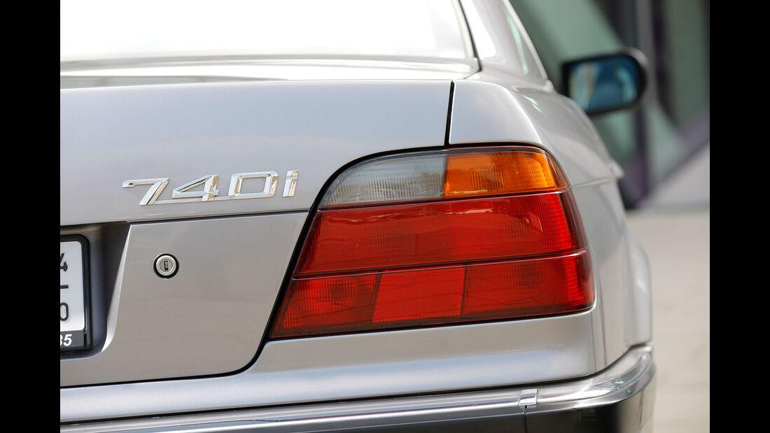 Youngtimer-Fahrbericht-BMW-740i-Heck