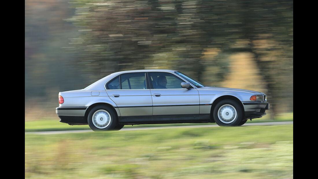 Youngtimer-Fahrbericht-BMW-740i-Seite