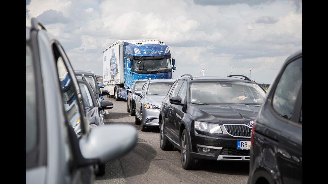 ZF Innovation Truck 2016 EMA & HDA