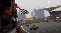 Zieldruchfahrt Hamilton Formel 1 GP China 2011