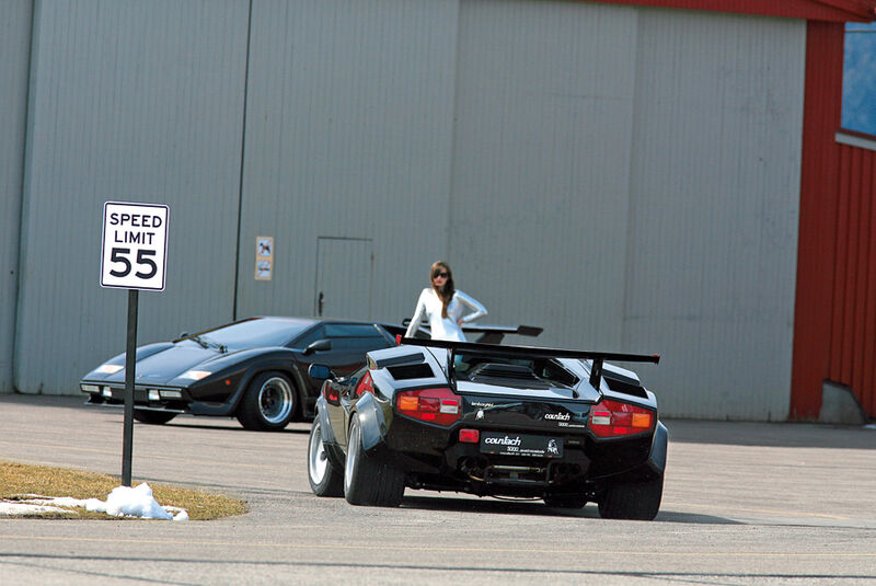 Zwei Lamborghini Countach Heck und Front