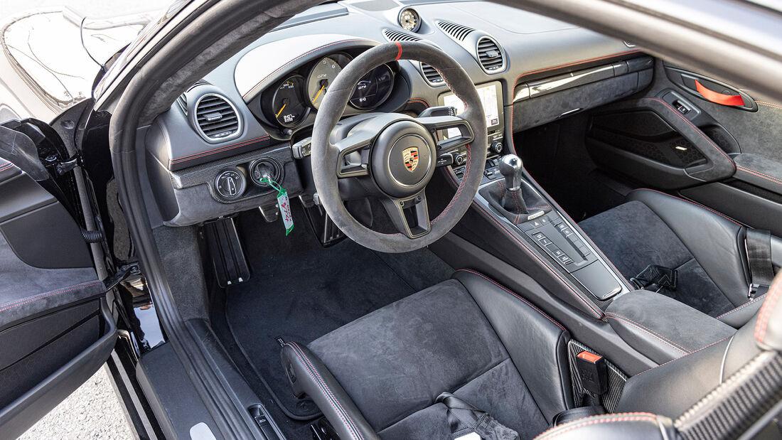 a-workx-Porsche 718 Cayman GT4, Interieur