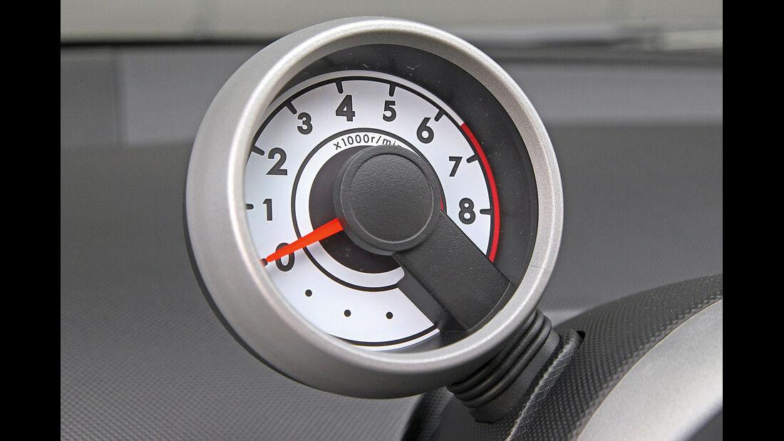 ams15/2012, Kleinwagen, 100 g/km CO2, Citroen C1, Drehzahlmesser