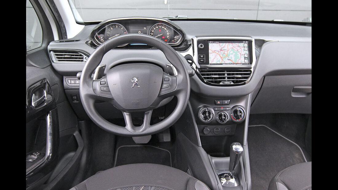 ams15/2012, Kleinwagen, 100 g/km CO2, Peugeot 208, Cockpit