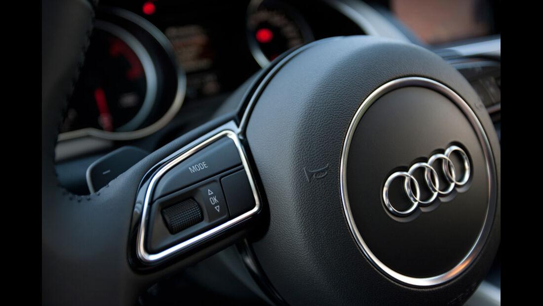 ams2011, Audi A5, Lenkraddetail