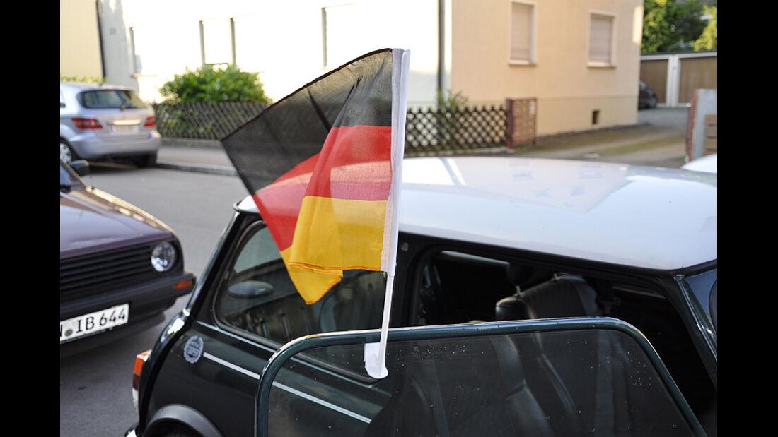 angebrachte Fahne