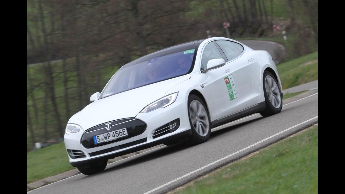 i-Mobility Rallye 2016, Startnummer 030, Jürgen und Johannes Lang, Tesla Model S