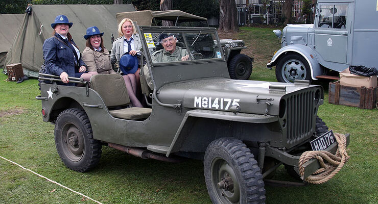 Goodwood Revival Festival 2011: Oldtimer-Party der Superlative ...