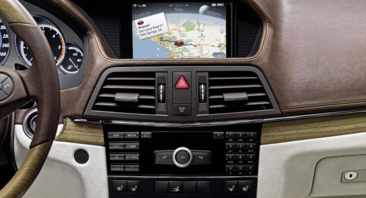 Mercedes comand aps navisystem bleibt stets aktuell for Mercedes benz comand system upgrade