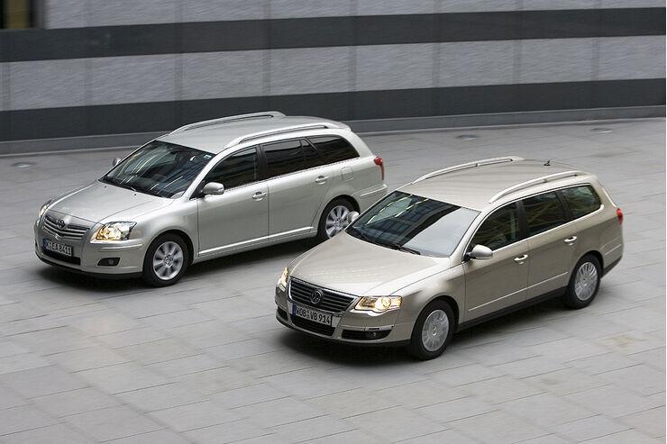 VW Passat gegen Toyota Avensis: Kombi-Duell - AUTO MOTOR UND SPORT