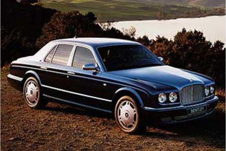Im folgenden geht es um das Ummelden des Kfz sowie die Änderungen von Verträgen. Kennzeichen behalten beim Umzug. Das Auto ist der Deutschen liebstes Kind, sagt man.