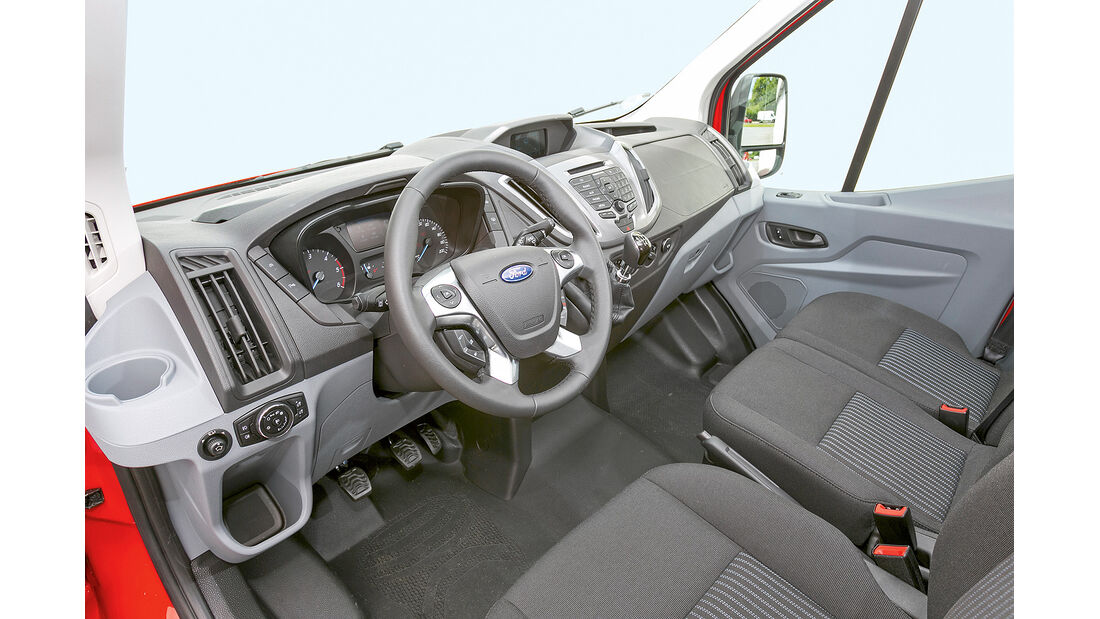 promobil Megatest 2014, Basisfahrzeuge, Ford Transit, Cockpit