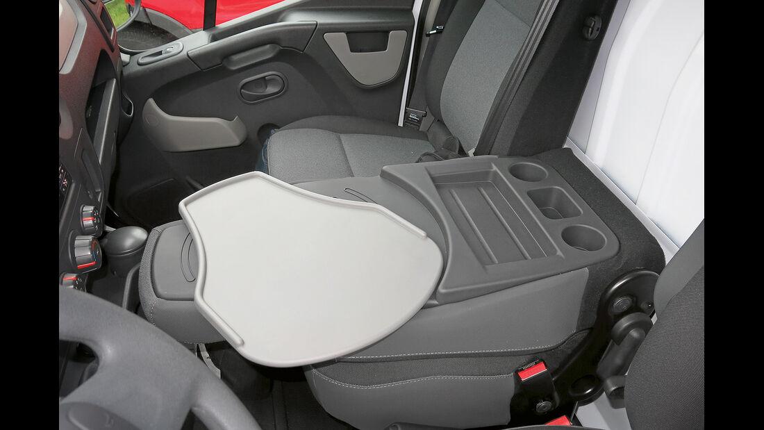 promobil Megatest 2014, Basisfahrzeuge, Renault Master, Lehnentisch
