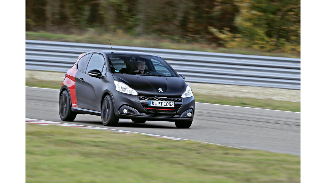 sport auto Award 2017 - A 008 - Peugeot 208 Gti