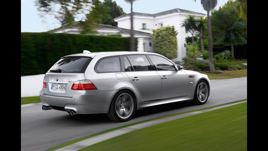 sport auto-Exotendeals bis 45.000 Euro, Gebrauchtwagen-Spezial, 04/2016, BMW E61 M5 Touring